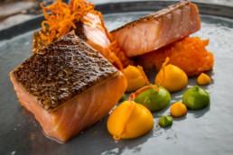 Подкопченый лосось с морковным пюре